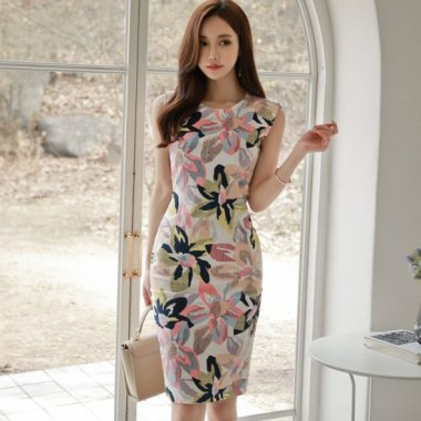 【即納】フェミニンなパステルカラー 花柄タイトワンピース