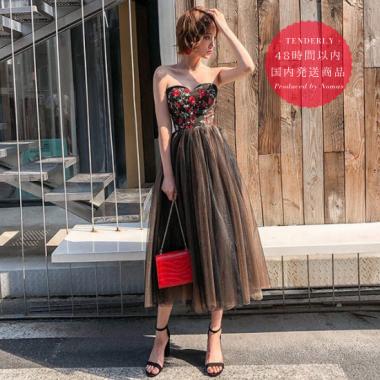【即納】大人可愛い赤×黒 フラワー刺繍ベアトップドレス