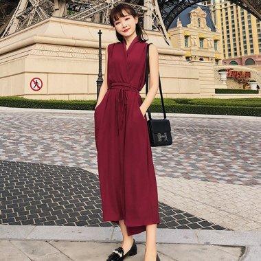 お呼ばれやデートに カシュクールがフェミニンなワントーンのきれいめパンツドレス オールインワン 2色