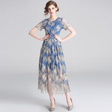 結婚式や二次会に 上品な透け感の刺繍総レースが大人かわいい半袖ロングワンピース