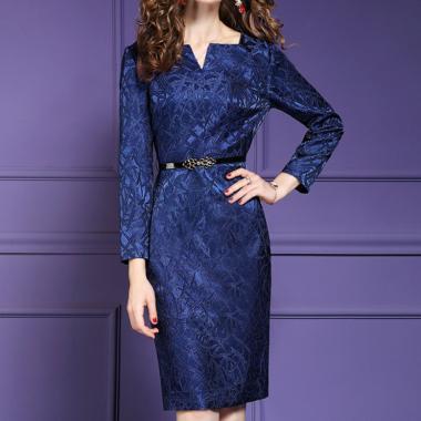 光沢感がエレガント ベルト付き総柄長袖ワンピース ドレス