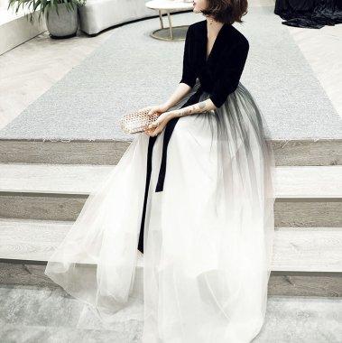 ボリューミーなチュールスカートが大人かわいい袖ありロングワンピース ドレス