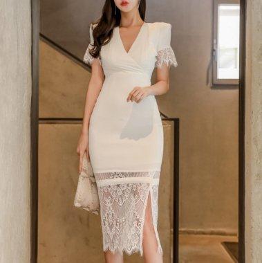 ヘムラインの繊細レースが大人かわいい白の袖ありタイトカジュアルドレス ワンピース