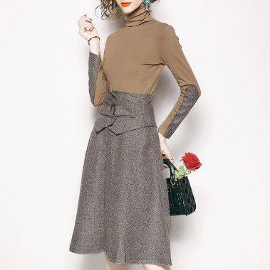 お呼ばれからデートまで 上品バイカラーがおしゃれなハイネックの長袖トップスとスカートのセットアップ
