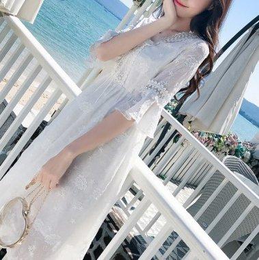 デイリーからお呼ばれまで 花柄刺繍の総レースが上品かわいい白の袖ありワンピース
