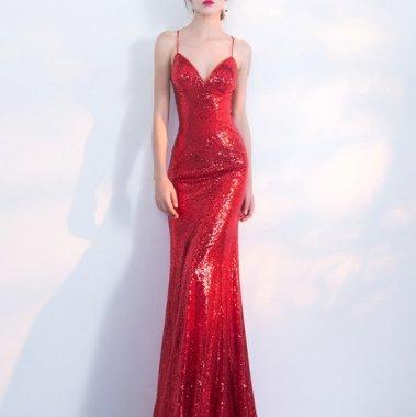 クリスマス パーティー等に スパンコールがゴージャスなマーメイドラインのキャミ赤ドレス