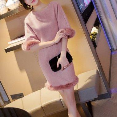【即納】冬のパーティーやデートに フェイクファー付きピンクのワンピース/Sサイズ