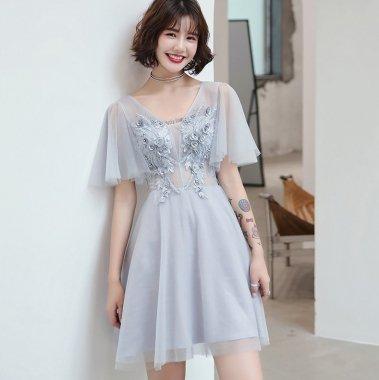発表会衣装にも 繊細刺繍がエレガントなフレアスリーブのシフォンミニドレス