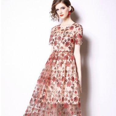 おしゃれな海外デザイン 清楚ガーリーな花柄刺繍のロング丈半袖フレアワンピース