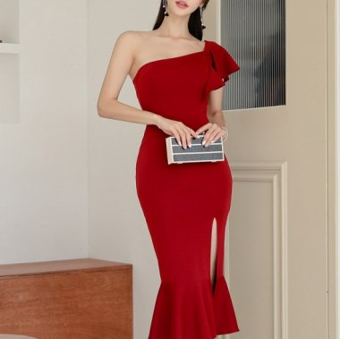 演奏会や発表会衣装にも アシメデザインがおしゃれなワンショルダーのマーメードドレス