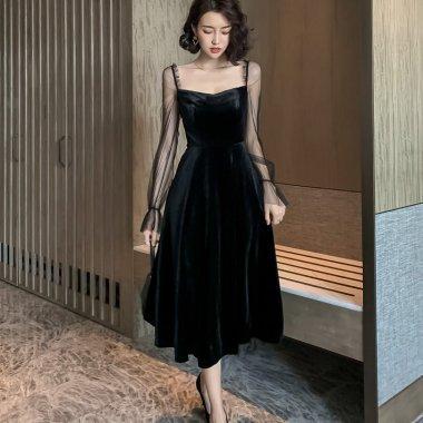 人気の海外デザイン デコルテ見せがフェミニンなシースルースリーブの長袖フレアワンピース