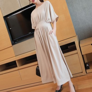 きれいめカジュアルな大人スタイル ウエストギャザーの袖ありロングワンピース 3色
