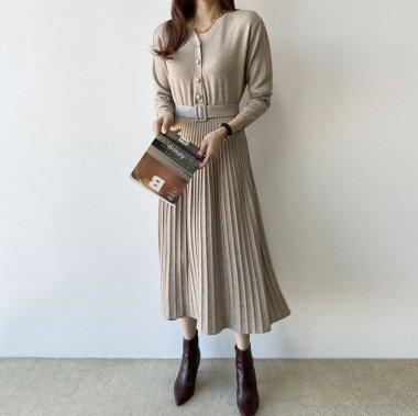 デイリーからお呼ばれまで 上品かわいいプリーツスカートのきれいめ長袖ワンピース