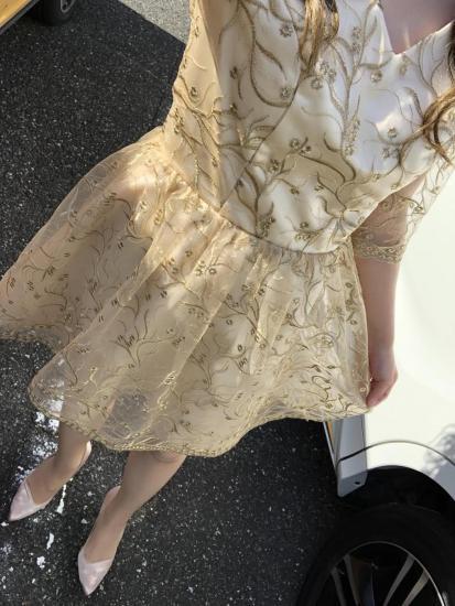 結婚式やお呼ばれに 大人ガーリー清楚な控えめ小花の五分袖ワンピース