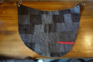 BUM FLAP BLACK/RED