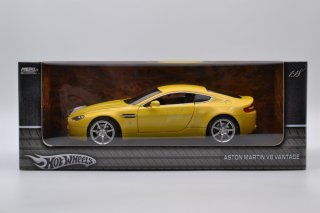 Hot Wheels 1/18 ASTON MARTIN V8 VANTAGE