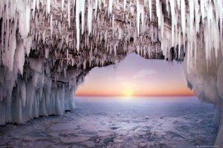 氷の洞窟 ポスター
