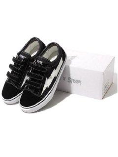 <img class='new_mark_img1' src='https://img.shop-pro.jp/img/new/icons7.gif' style='border:none;display:inline;margin:0px;padding:0px;width:auto;' />【Revenge×Storm(リベンジストーム)】 Canvas Velcro Sneaker(スニーカー) Black