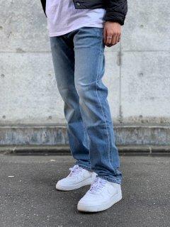<img class='new_mark_img1' src='https://img.shop-pro.jp/img/new/icons7.gif' style='border:none;display:inline;margin:0px;padding:0px;width:auto;' />【Calvin Klein Jeans(カルバン クライン ジーンズ)】SLIM STRAIGHT JEANS (デニムパンツ) Lt. Indigo