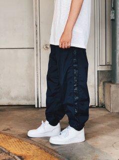 <img class='new_mark_img1' src='https://img.shop-pro.jp/img/new/icons7.gif' style='border:none;display:inline;margin:0px;padding:0px;width:auto;' />【Calvin Klein Jeans(カルバン クライン ジーンズ)】NYLON JOGGING PANTS (ナイロンジョガーパンツ) Navy