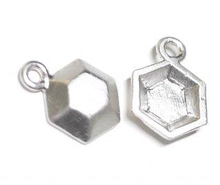 【2個】立体的な3D Petit Hexigonプチ六角形マットシルバーチャーム