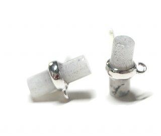 【2個(1ペア)】1点もの!天然石ラブラドライト(Labradrite)スティック形シルバー925刻印ピアス