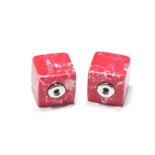【2個(1ペア)】1点もの〜天然石Red Cube四角形シルバーピアスキャッチ