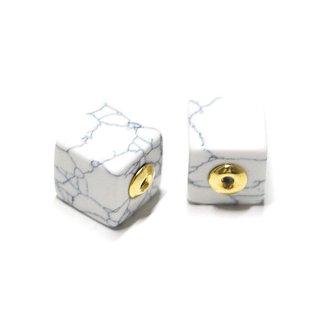【2個(1ペア)】1点もの〜天然石Howlite風Cube四角形ゴールドピアスキャッチ