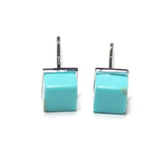 【2個(1ペア)】1点もの〜天然石PetitターコイズTurquoise風Cube四角形シルバー925刻印ピアス