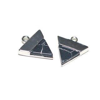 【1個】1点もの〜天然石ソーダライト(Sodalite)風三角形シルバーチャーム