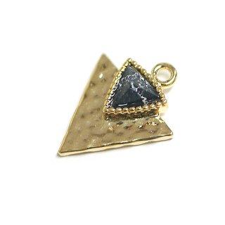 【1個】1点もの〜天然石ソーダライト(Sodalite)風Double三角形ゴールドチャーム