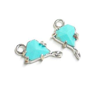 【2個入り】1点もの〜天然石ターコイズ(Turquoise)風プチ三角形シルバーコネクター