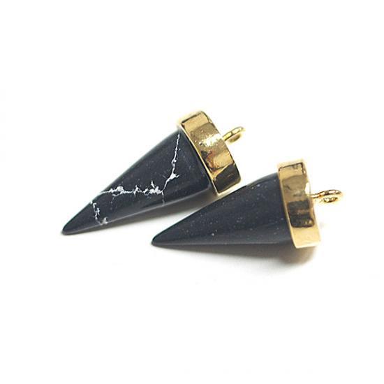 【1個】天然石ソーダライト(Sodalite)風三角Cone形ゴールドチャーム