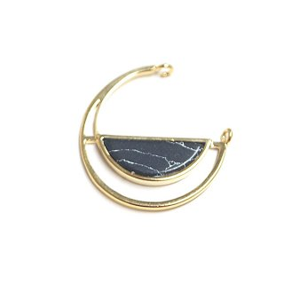 【1個】宇宙〜天然石ソーダライト(Sodalite)風Half Moon Circleゴールドコネクター