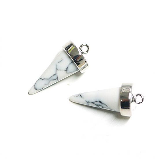 【1個】天然石ハウライト(Howlite)風三角Cone形シルバーチャーム