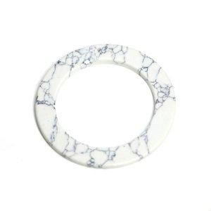 【1個】穴あり!約50mmホワイトカラー模様入り合成石円形チャーム、パーツ