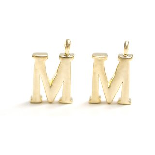 【2個入り】イニシャル明朝体「M」マッドゴールドチャーム、パーツ