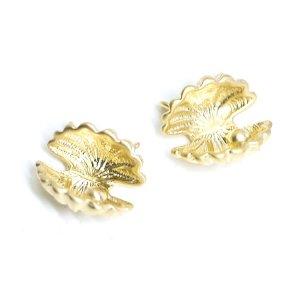 【2個入り】立体的なShell貝モチーフの両側カン付きマッドゴールドチャーム、パーツ