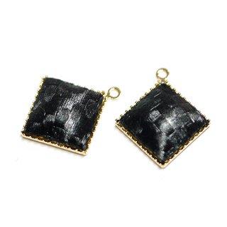 【2個入り】ブラックカラーサテン約11mm正方形ゴールドチャーム、パーツ