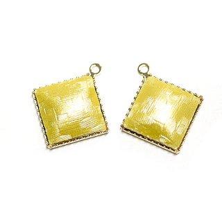 【2個入り】イエローカラーサテン約11mm正方形ゴールドチャーム、パーツ