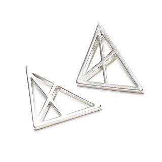 【2個入り】Spider Triangle 三角形マッドシルバーチャーム、パーツ