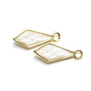 【2個入り】Shinnyホワイトカラープチダイヤモンド形ゴールドチャーム、パーツ