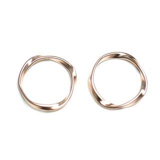 【2個入り】メビウスの輪〜マットピンクゴールドチャーム、パーツ
