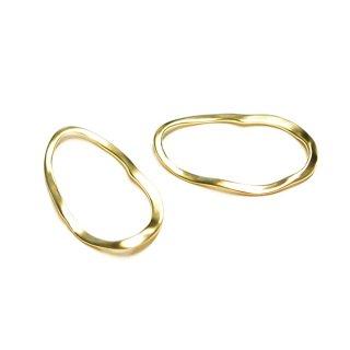 【2個入り】手作り感ある Curve Oval ミディアムマッドゴールドチャーム、パーツ