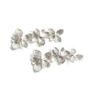 【1個】バラして使えるTrio Hawaiian Flower マッドシルバーチャーム、パーツ