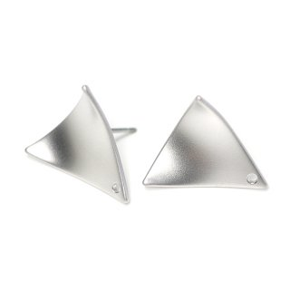 【1ペア】チタン芯!シンプルな約15mmカーブ三角形マッドシルバーピアス、パーツ