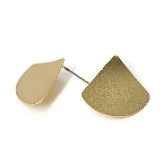 【1ペア】チタン芯!マッドゴールドScratch 曲線のTriangleカン付きピアス、パーツ