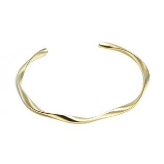【1個】優美な曲線ツイストの16Kマットゴールドプレート真鍮製バングル、ブレスレット