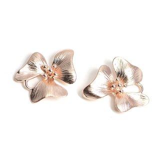 【2個入り】動いてような三つの花びら〜マットピンクゴールドチャーム、パーツ