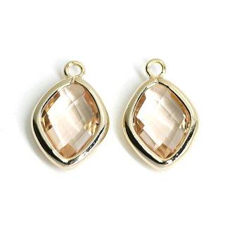 【2個入り】Light Peachカラーガラス16mmダイヤモンド形ゴールドチャーム